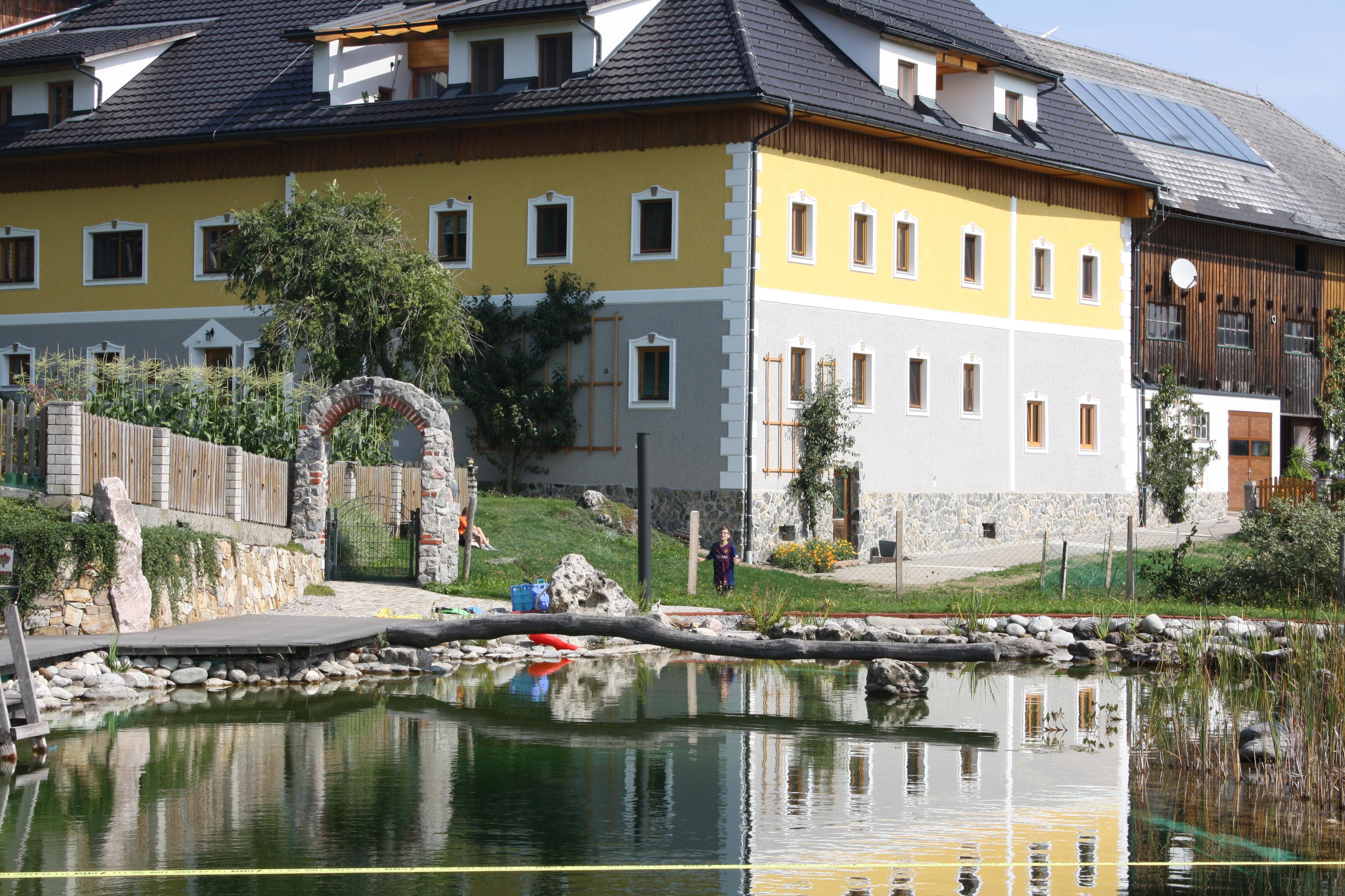 Bauernhof mit Gästezimmern und Ferienwohnungen in Oberösterreich mit besonderen Angeboten für Familien mit Kindern.